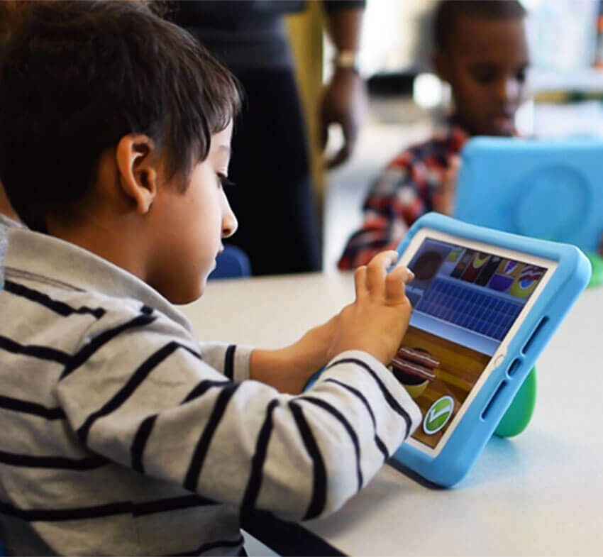 iPad - application - jeu - garçon