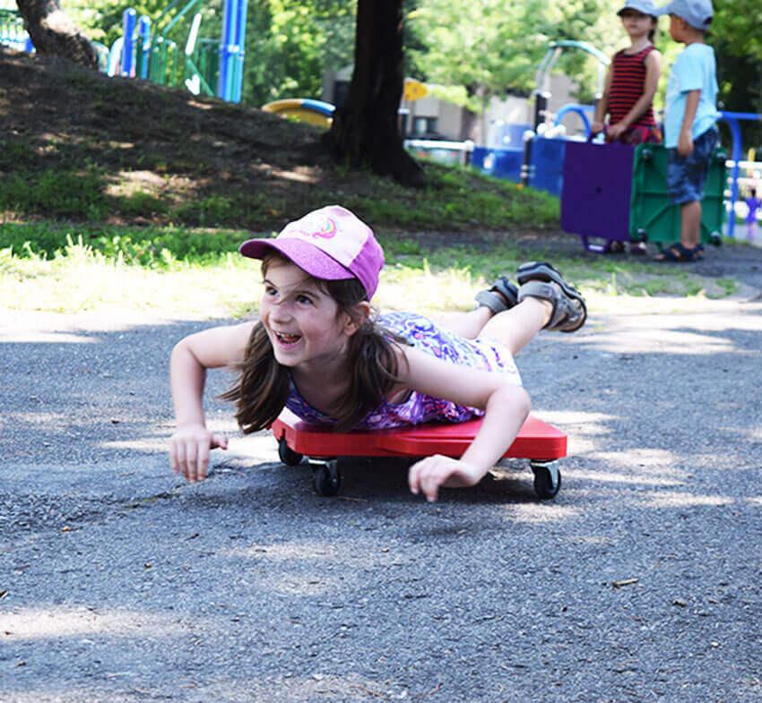 Planche à roulettes - course - exercice - plein air