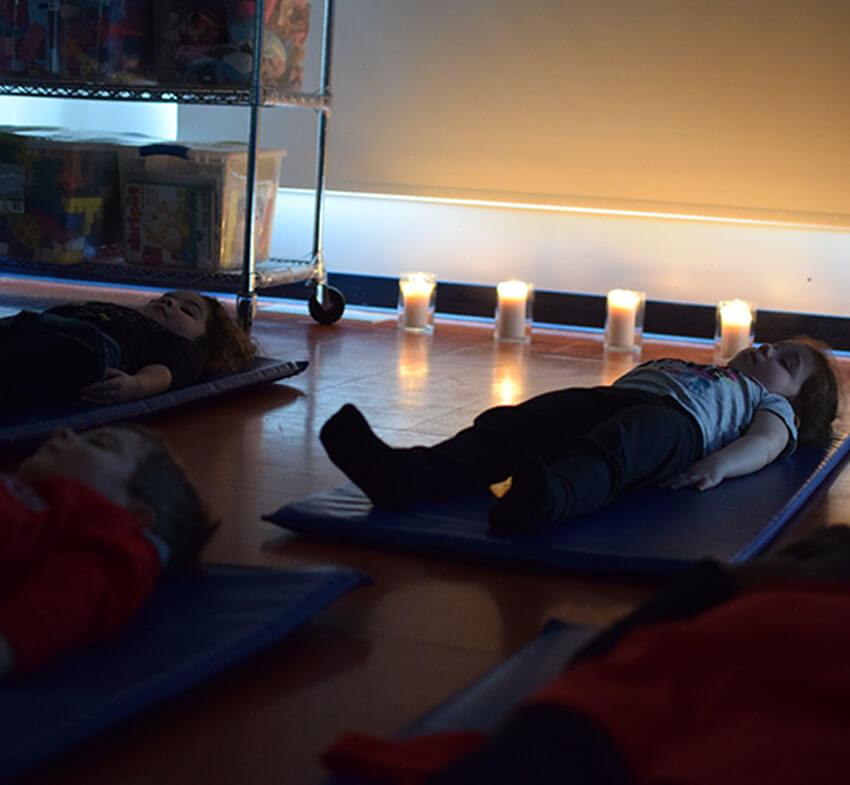 Présence attentive - pleine conscience - méditation - calme - garderie